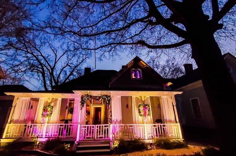 historic oakwood candlelight tour 14