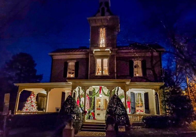 Historic Oakwood Candlelight Tour